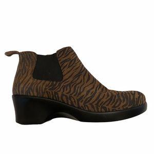 Alegria  animal print slip on ankle boots size 39
